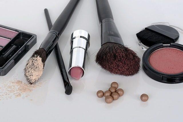 理想の肌を手にいれる!女の子なら知っておきたい化粧品の開封前と開封後の消費期限について
