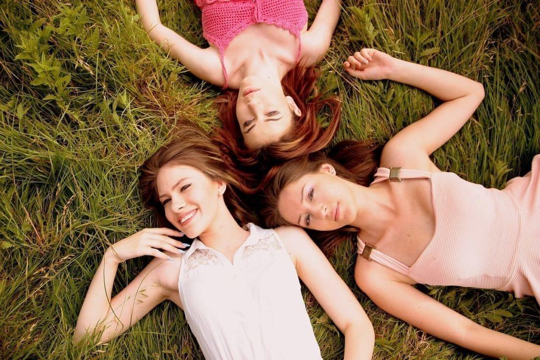 girls-1487826_1280